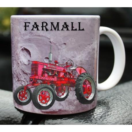 Foto hrneček traktor Mc Cormick Farmall