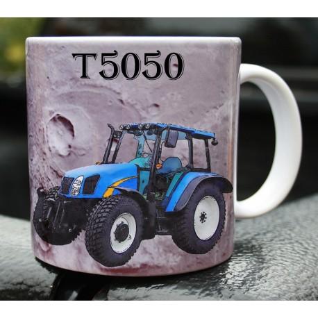 Foto hrneček traktor New Holland T5050