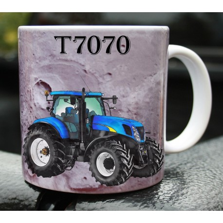 Foto hrneček traktor New Holland T7070