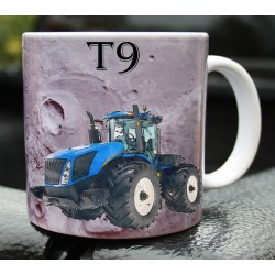 Foto hrneček traktor New Holland T9