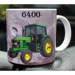 Foto hrneček traktor John Deere 6400